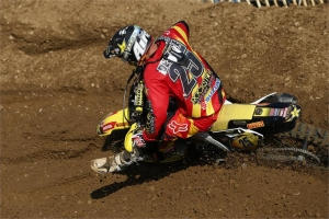 DESALLE AND SUZUKI WIN AT VALENCE MX