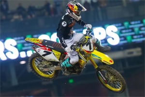 STEWART BATTLES TO 4TH AT PHOENIX SX