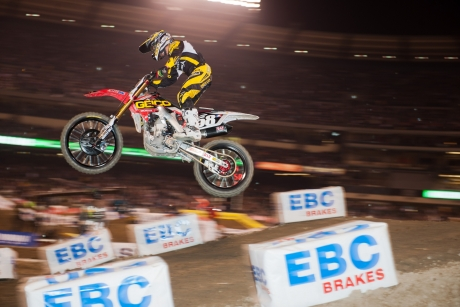 GEICO Honda's Hahn fractures hip, will miss 3-6 weeks of action
